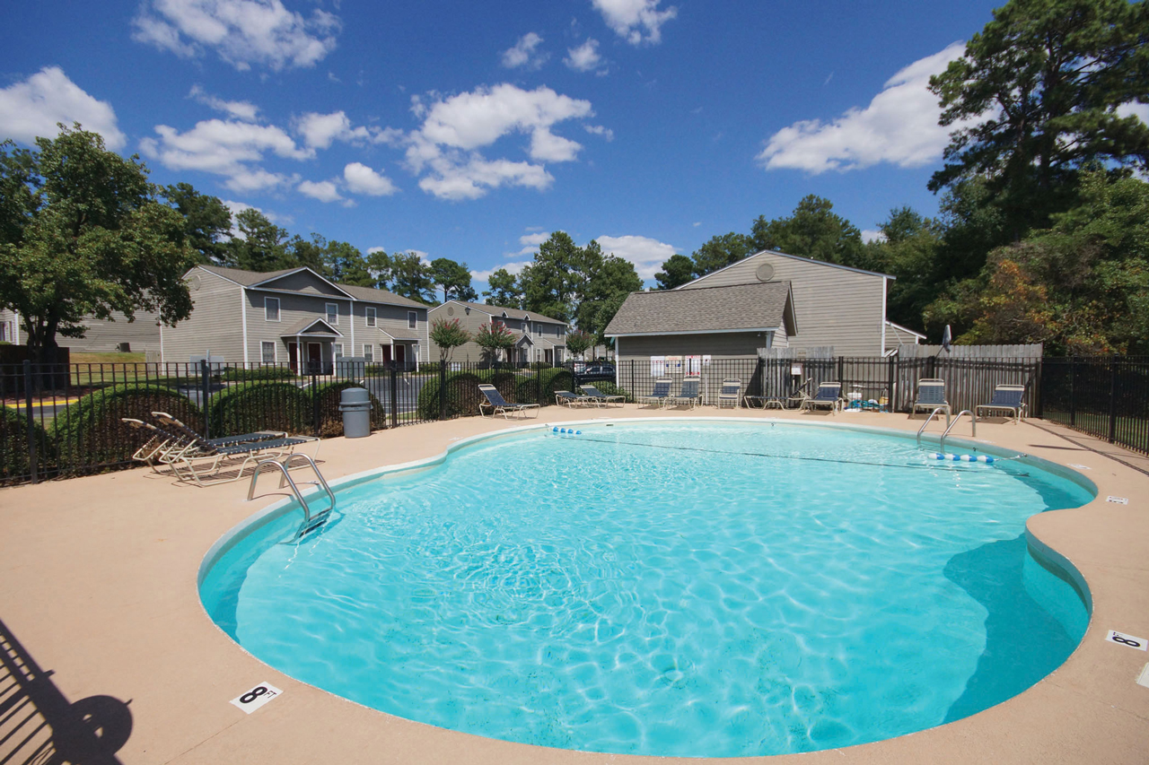 Brookhaven Townhomes pool